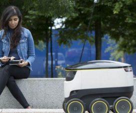 reparto con robot