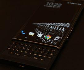 blackberry moviles andrid